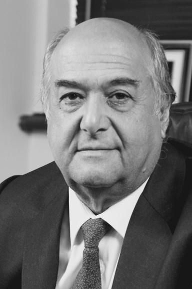 César Barros M.